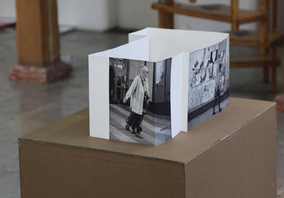 Tuesday 3. Fotogravure foldet som rumlig konstruktion.
